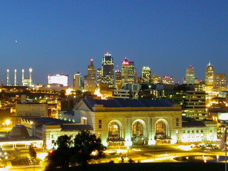 Kansas-City-Missouri-Downtown_at_Twighlight