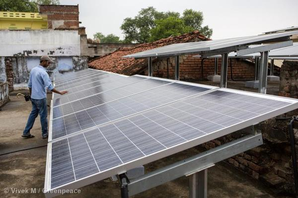 Solar panels atop house in Dharnai Tolla.