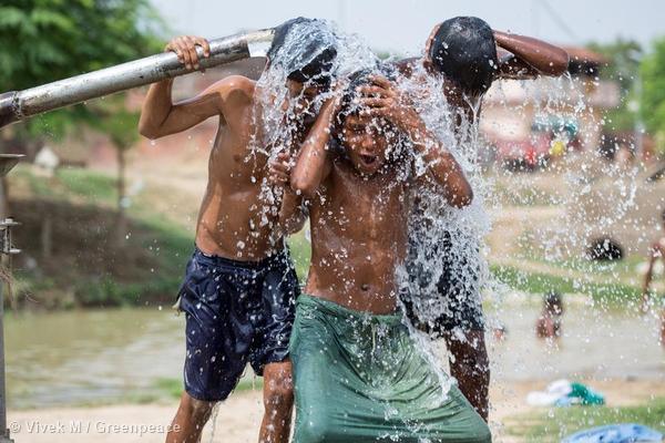 Solar-powered water pump at Bishunpur Tolla, Dharnai