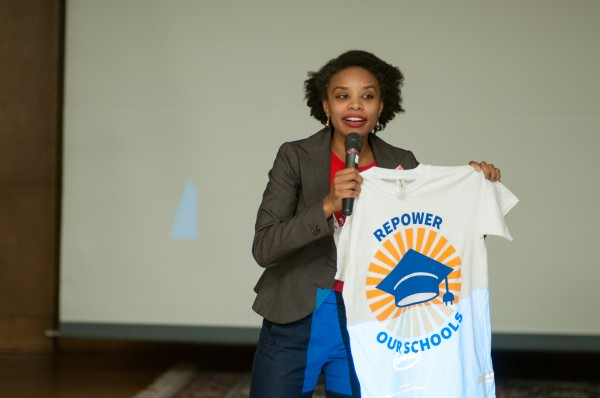 Danielle Hilton from Mom Clean Air Force speaking about why they support Repower Our Schools. Photo credit: Ahmer Inam