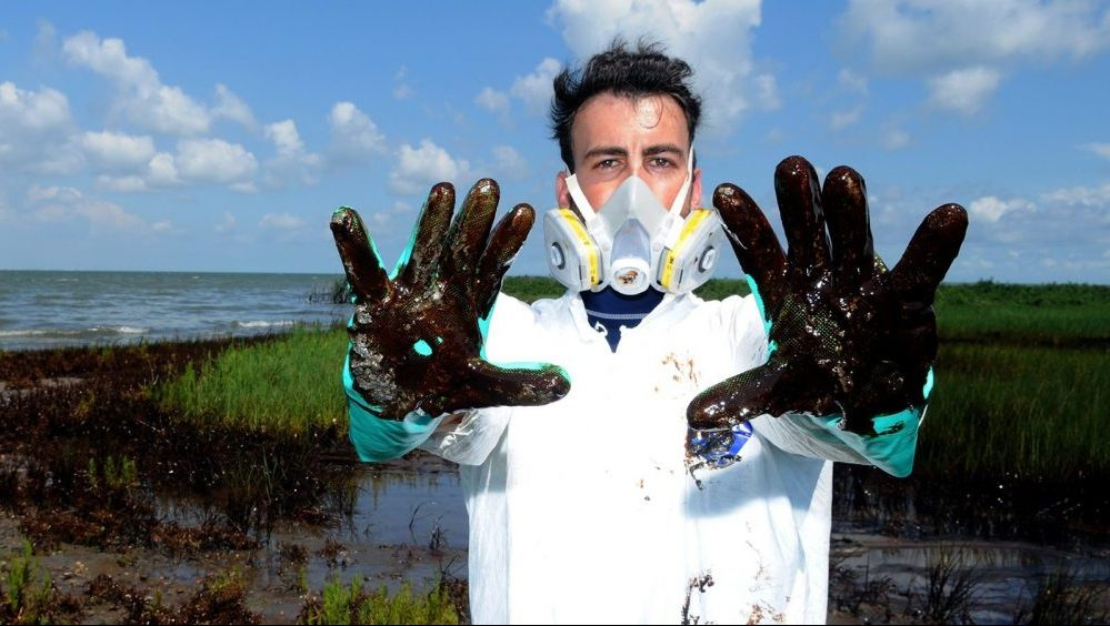 Oil from Oil Rig Disaster in Louisiana