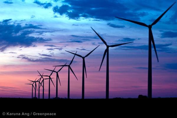 Greenpeace Report Finds 100 Percent Renewable Energy