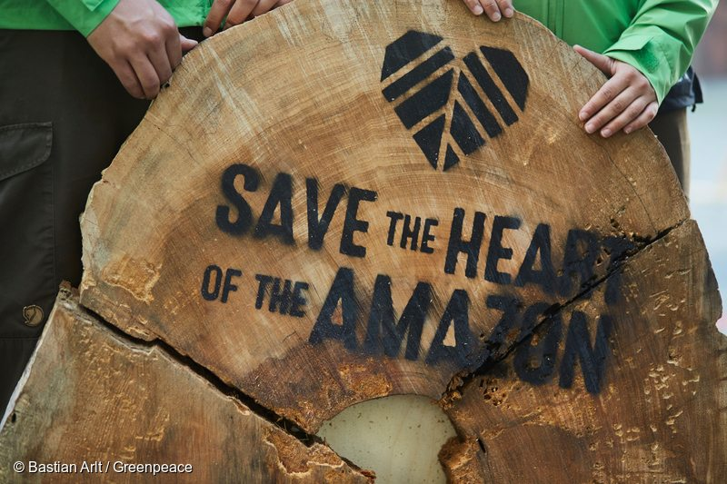 Amazon Action at Siemens Headquarters in MunichAmazonas-Aktion am Firmensitz von Siemens in Muenchen