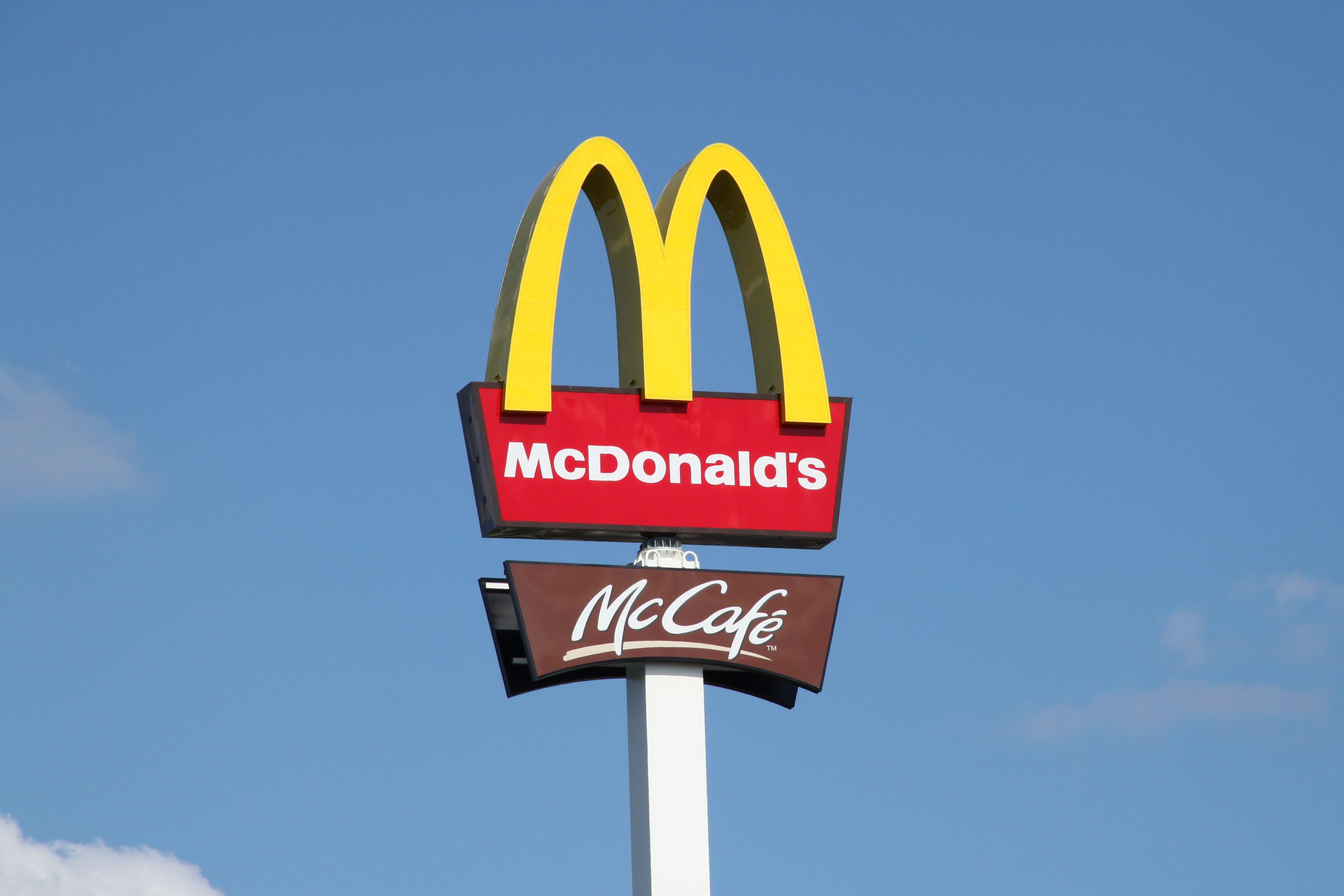 M Letter Logo Wallpaper Hd Who Should McDonalds B...