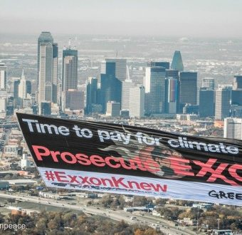 Exxon Knew Banner in Dallas
