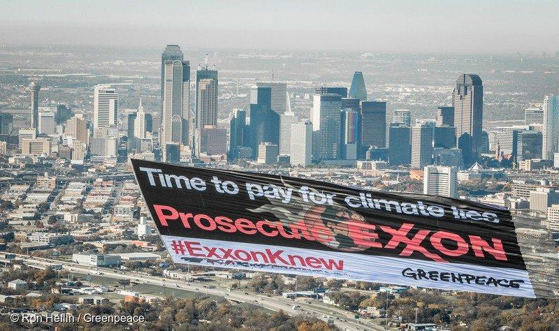 Exxon Knew Banner in Dallas