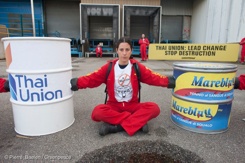 25 Greenpeace activists are blocking a Petit Navire factory part of Thai Union.