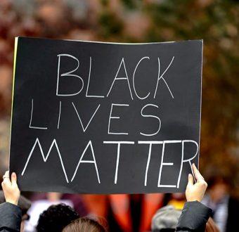 Black Lives Black Lives Matter / #BlackLivesMatter