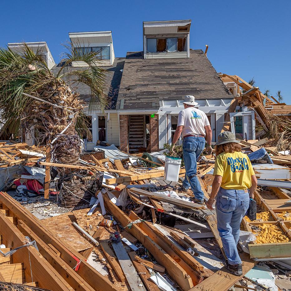https://www.greenpeace.org/usa/wp-content/uploads/2020/01/hurricane-michael.homeowners.0759.jpg